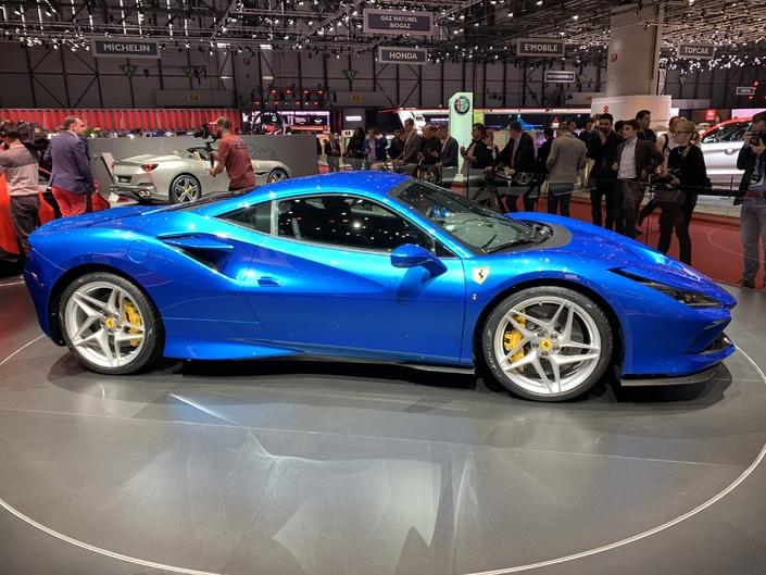 Ferrari F8 Tributo: pas si nouvelle - Vidéo en direct du Salon de Genève 2019
