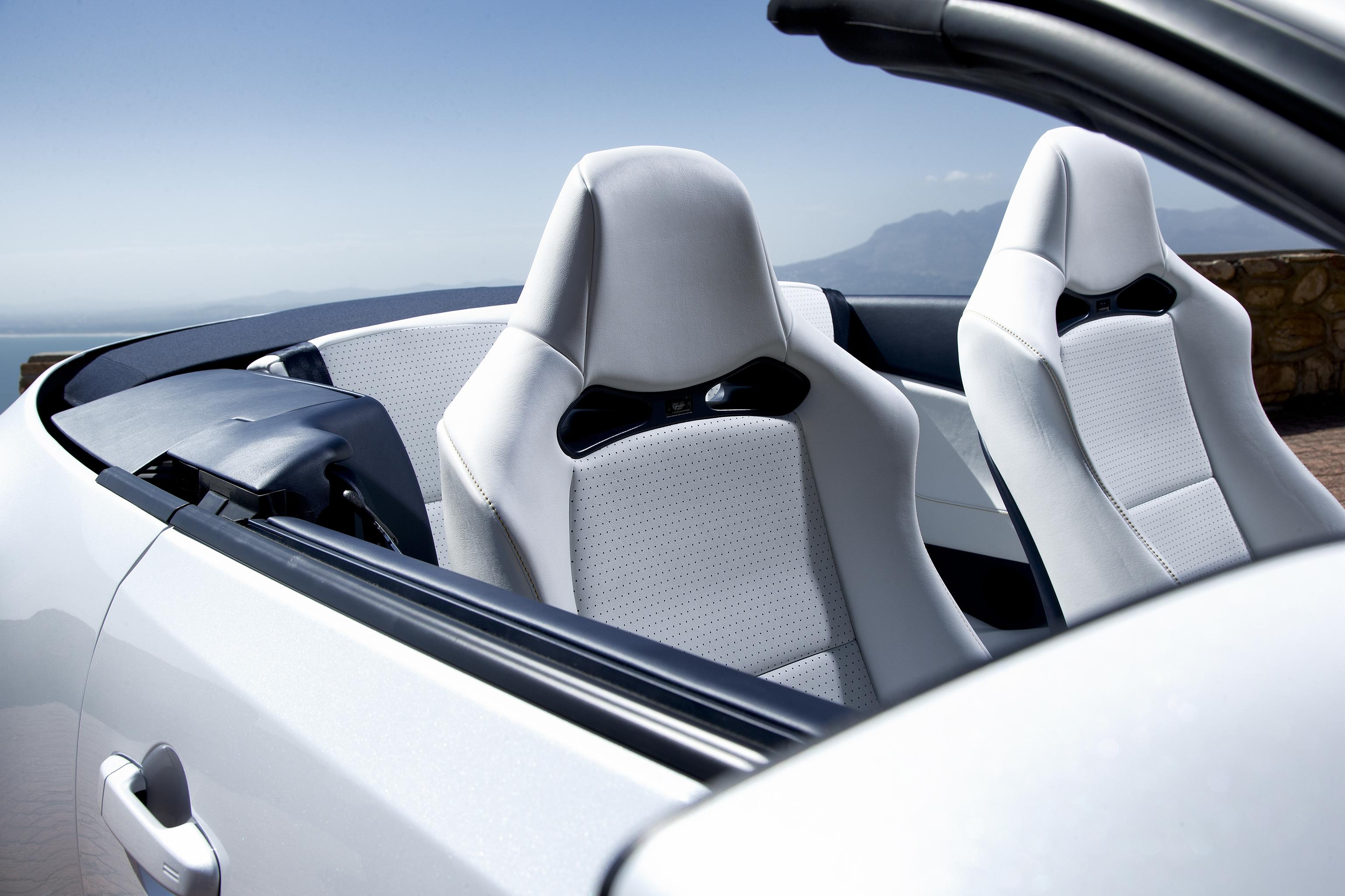 http://images.caradisiac.com/images/4/8/6/3/84863/S0-Salon-de-Geneve-2013-Le-concept-Toyota-FT-86-Open-se-montre-286785.jpg