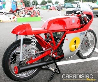 Troféo Rosso 2010 : une réplique de la MV 3 d'Agostini à 220 000 euros.