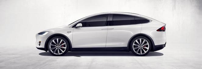 Tesla officialise le Model X