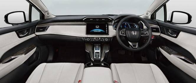 Honda dévoile la version de production de la berline hydrogène FCV