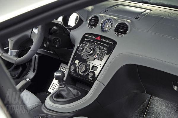 Peugeot rcz jetons un oeil l 39 int rieur for Interieur rcz