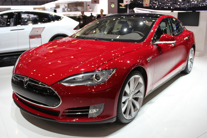 En direct du Salon de Genève 2013 : Tesla Model S, enfin en Europe !