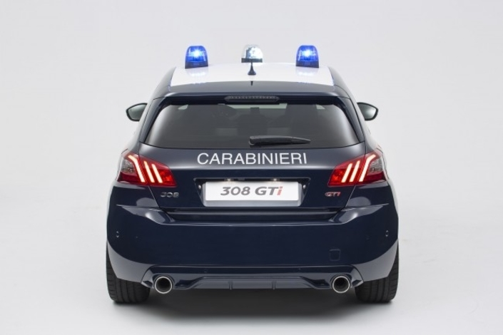 les policiers italiens en peugeot 308 gti. Black Bedroom Furniture Sets. Home Design Ideas
