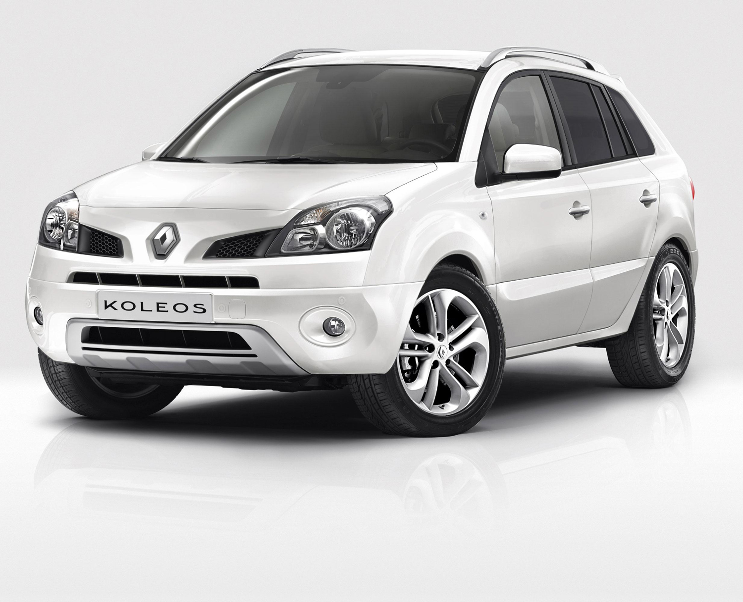 renault  u00e9coule plus blanc   koleos white edition