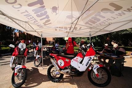 Rallye du Maroc 2009 : étape 1, Camelia Liparoti déjà en difficulté