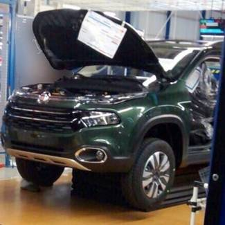Scoop : voici le Fiat Toro, le concurrent du Renault Duster Oroch