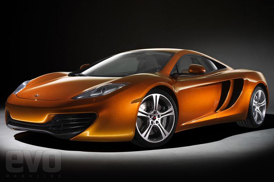 S0-La-McLaren-MP4-12C-leve-le-voile-141463