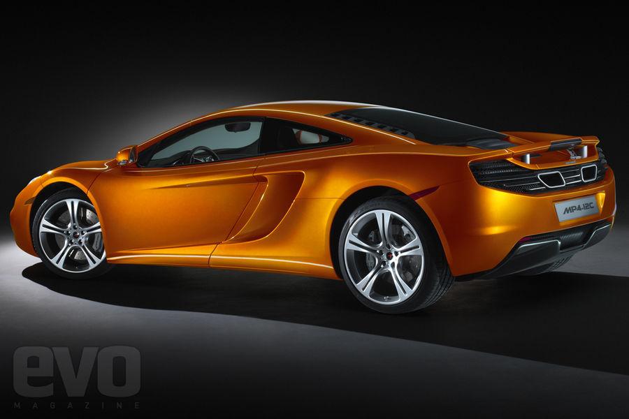S0-La-McLaren-MP4-12C-leve-le-voile-141472
