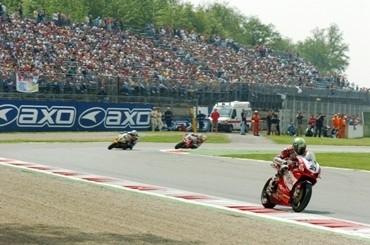Superbike : Bayliss réalise le doublé à Monza