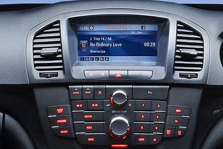 Opel Insignia : l\'intérieur en clair