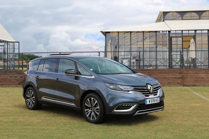 """Ventes en baisse de 29% pour le Renault Espace. Difficile de vendre du haut de gamme """"made in France"""" aux Français...et aux autres, d'ailleurs!"""
