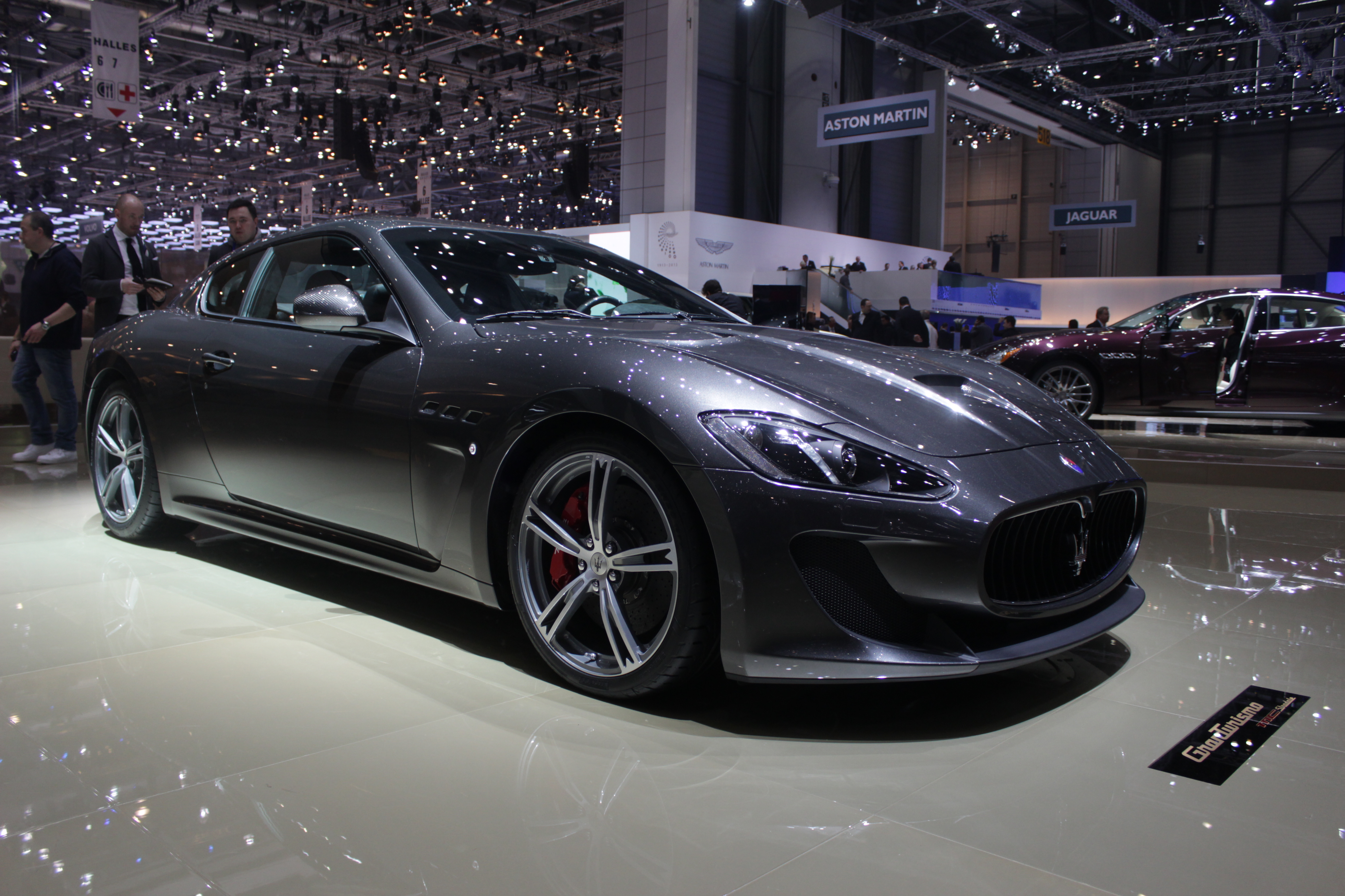 http://images.caradisiac.com/images/4/9/5/8/84958/S0-En-direct-du-Salon-de-Geneve-2013-Maserati-GranTurismo-MC-Stradale-deux-de-plus-287959.jpg