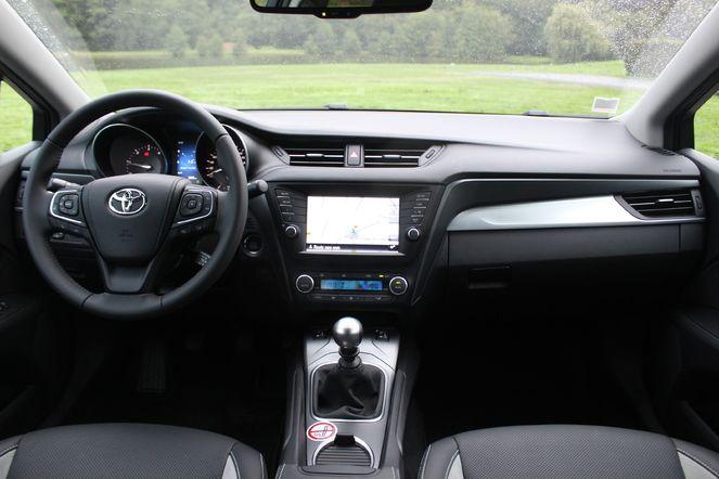 Essai vidéo - Toyota Avensis 3 : trop sage