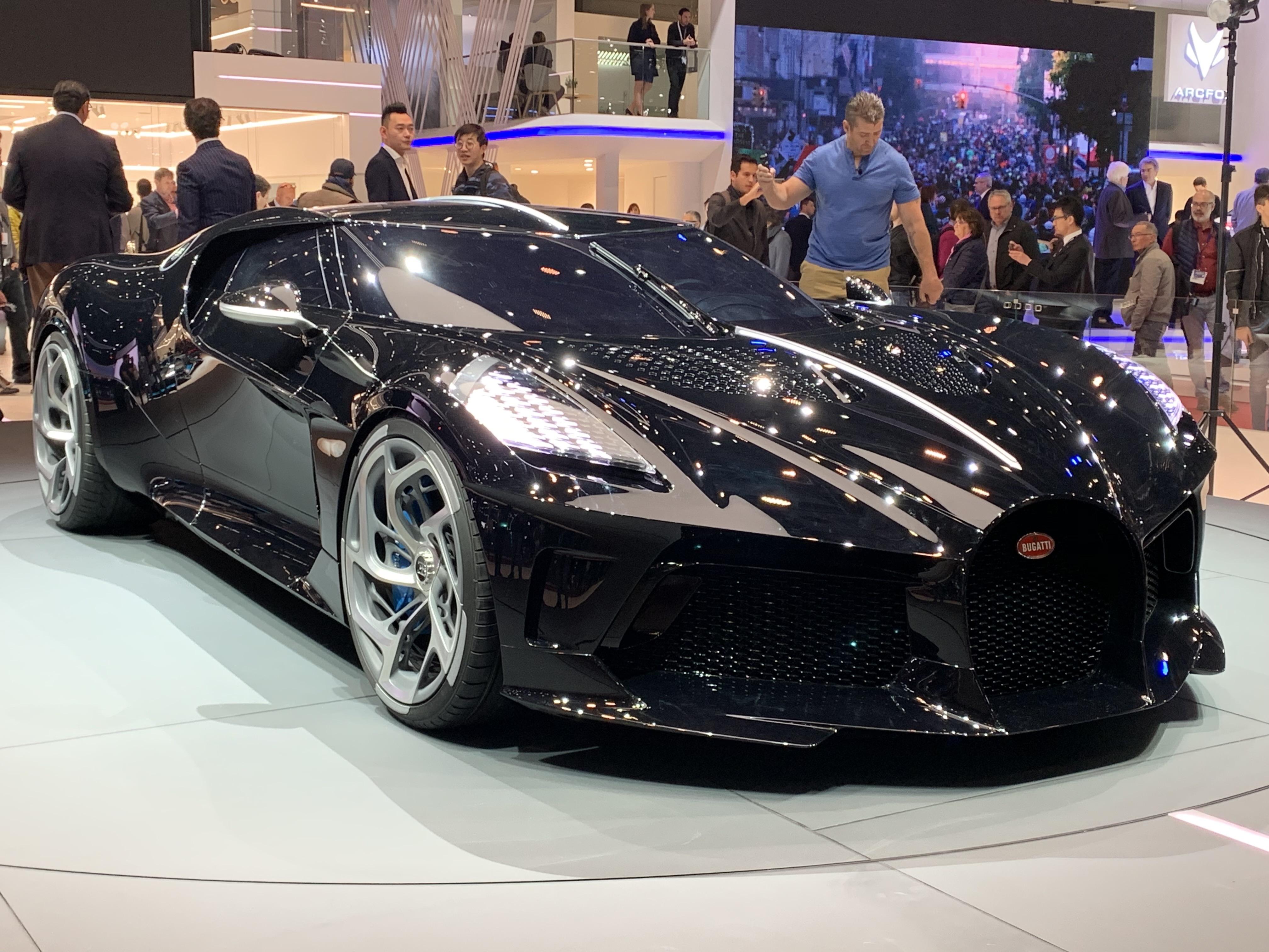 bugatti la voiture noire   interview de son designer   u00c9tienne salom u00e9