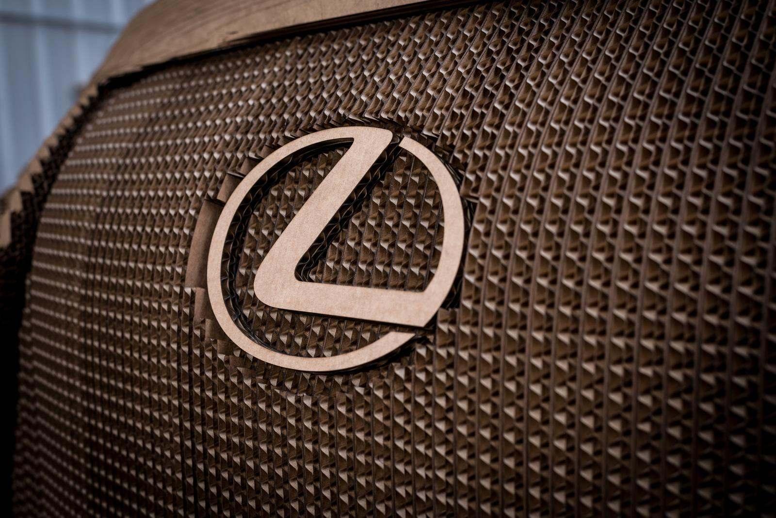 [Image: S0-Lexus-devoile-une-IS-roulante-en-carton-363710.jpg]