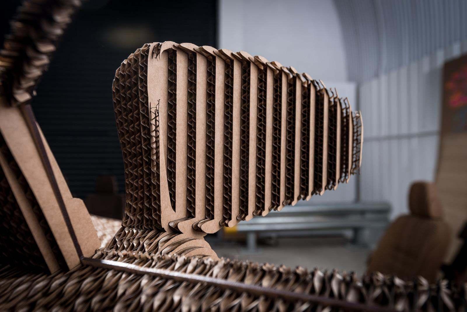 [Image: S0-Lexus-devoile-une-IS-roulante-en-carton-363715.jpg]