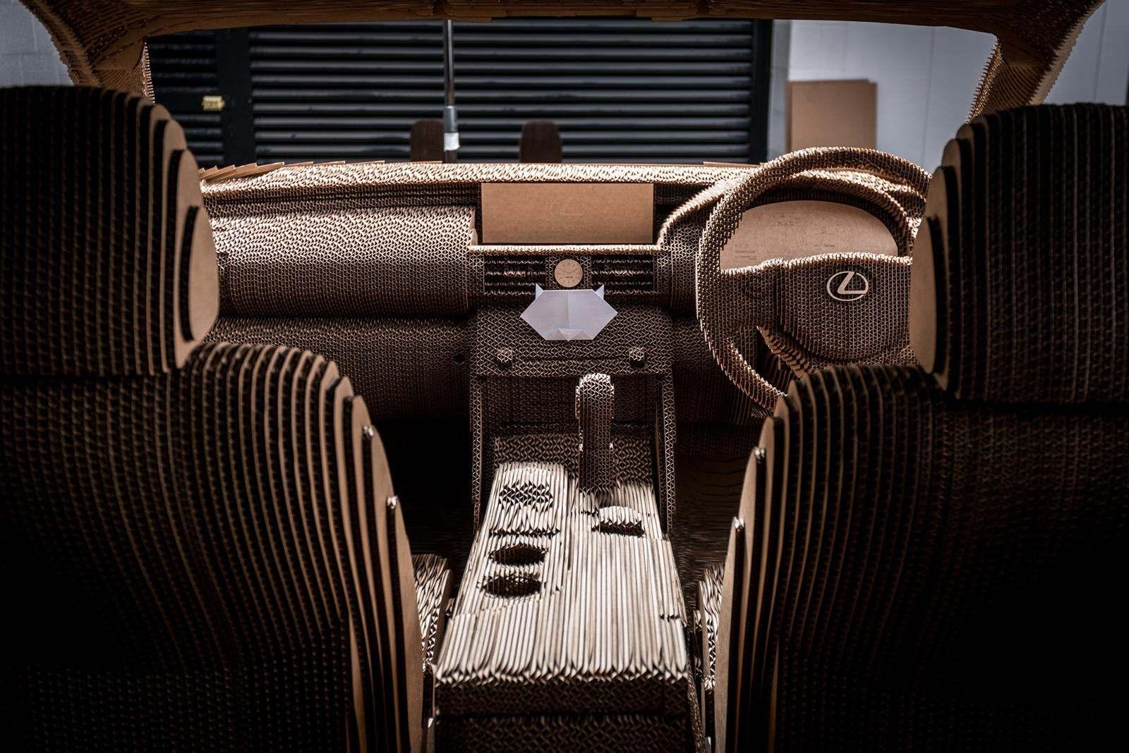 [Image: S0-Lexus-devoile-une-IS-roulante-en-carton-363722.jpg]