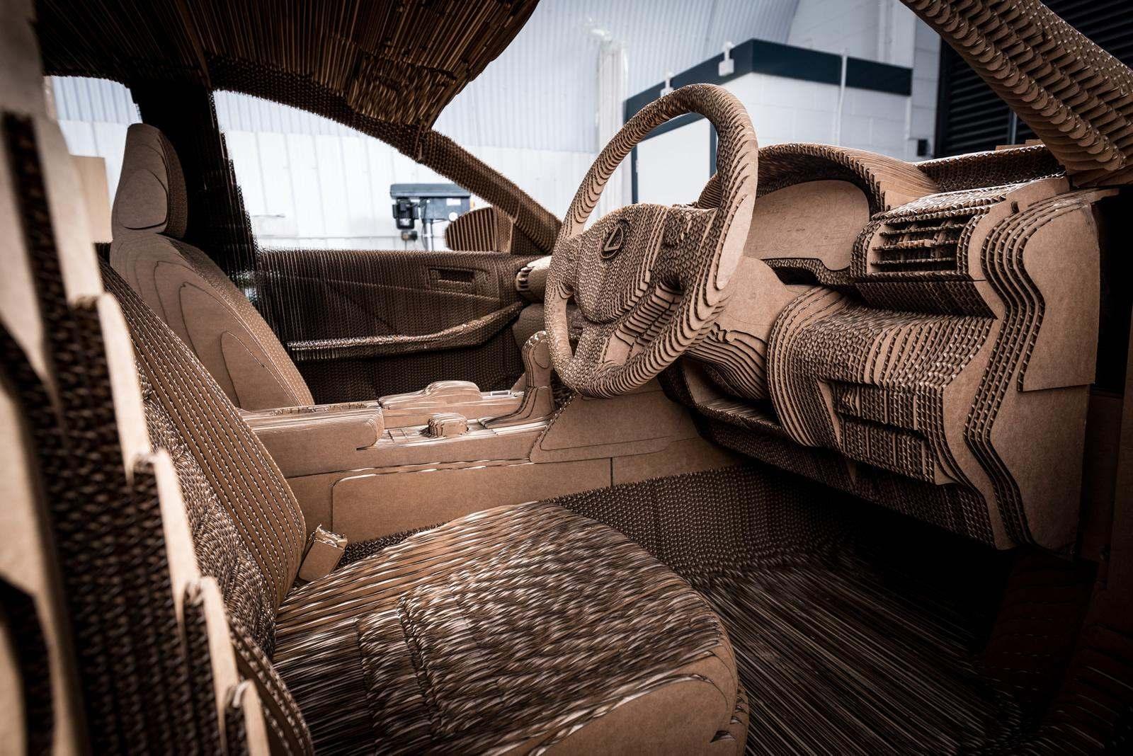 [Image: S0-Lexus-devoile-une-IS-roulante-en-carton-363735.jpg]