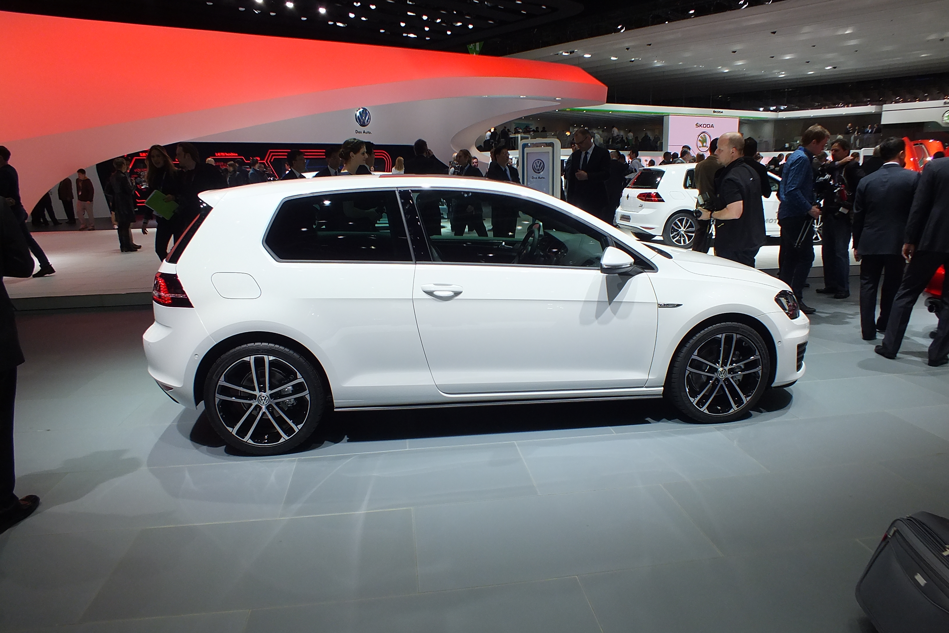 en direct de gen ve 2013 la volkswagen golf 7 gtd l. Black Bedroom Furniture Sets. Home Design Ideas