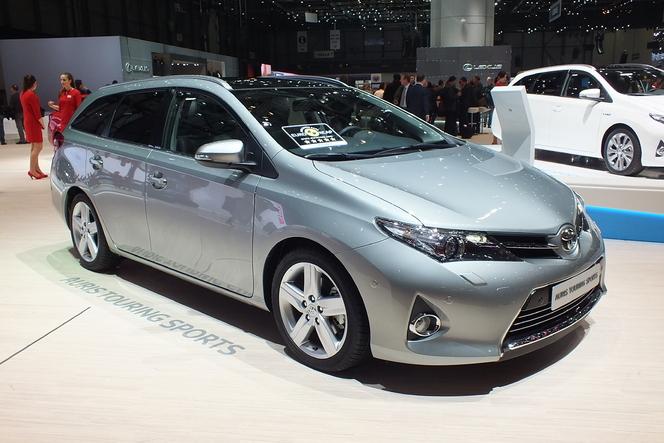 Vidéo en direct de Genève 2013 - Toyota Auris Touring Sports : l'Auris a malle au dos