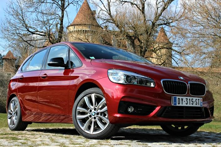 Malgré ses tarifs élevés, la version hybride rechargeable assure 13% des ventes de la gamme Série 2 active Tourer.