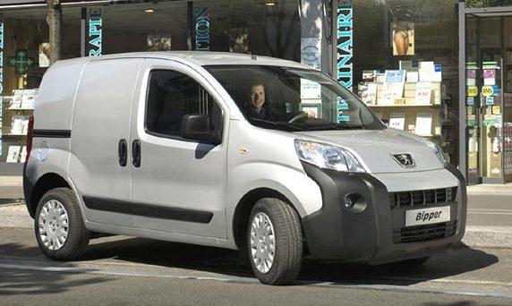 """Bulgarie : le titre de """"Van de l'année 2009"""" remis au Peugeot Bipper"""