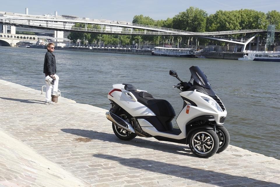 Essai Peugeot Métropolis 400 Roland Garros : fleuron de la gamme