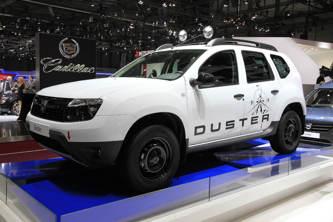 en direct de gen ve 2013 dacia duster aventure la personnalisation low cost. Black Bedroom Furniture Sets. Home Design Ideas
