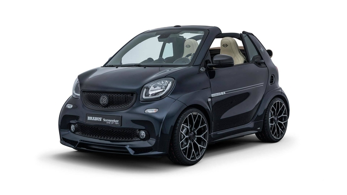 brabus smart fortwo plus ch re qu 39 une mercedes a45 amg. Black Bedroom Furniture Sets. Home Design Ideas