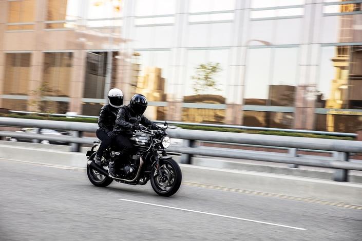 Essai Triumph Speed Twin mod. 2019