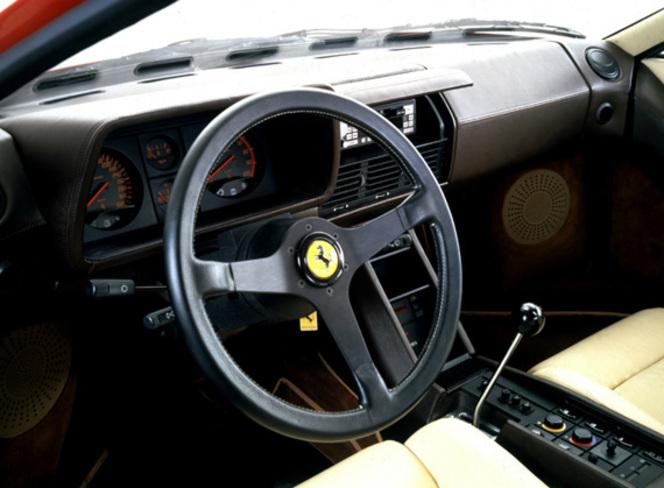 Nouvelle rubrique : les futurs collectors de Caradisiac   -  Ferrari Testarossa : tube des années 80