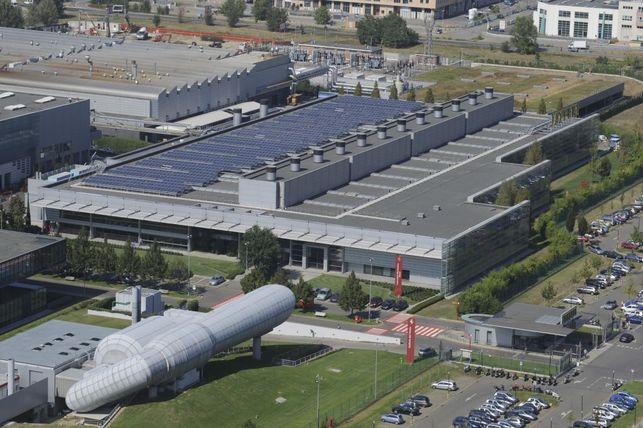 Ferrari se met à l'énergie solaire et à la plantation d'arbres !