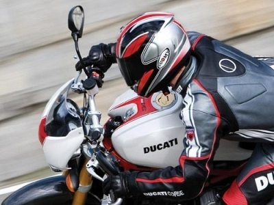 Ducati Monster 998 S4Rs Testastretta : un vrai monstre
