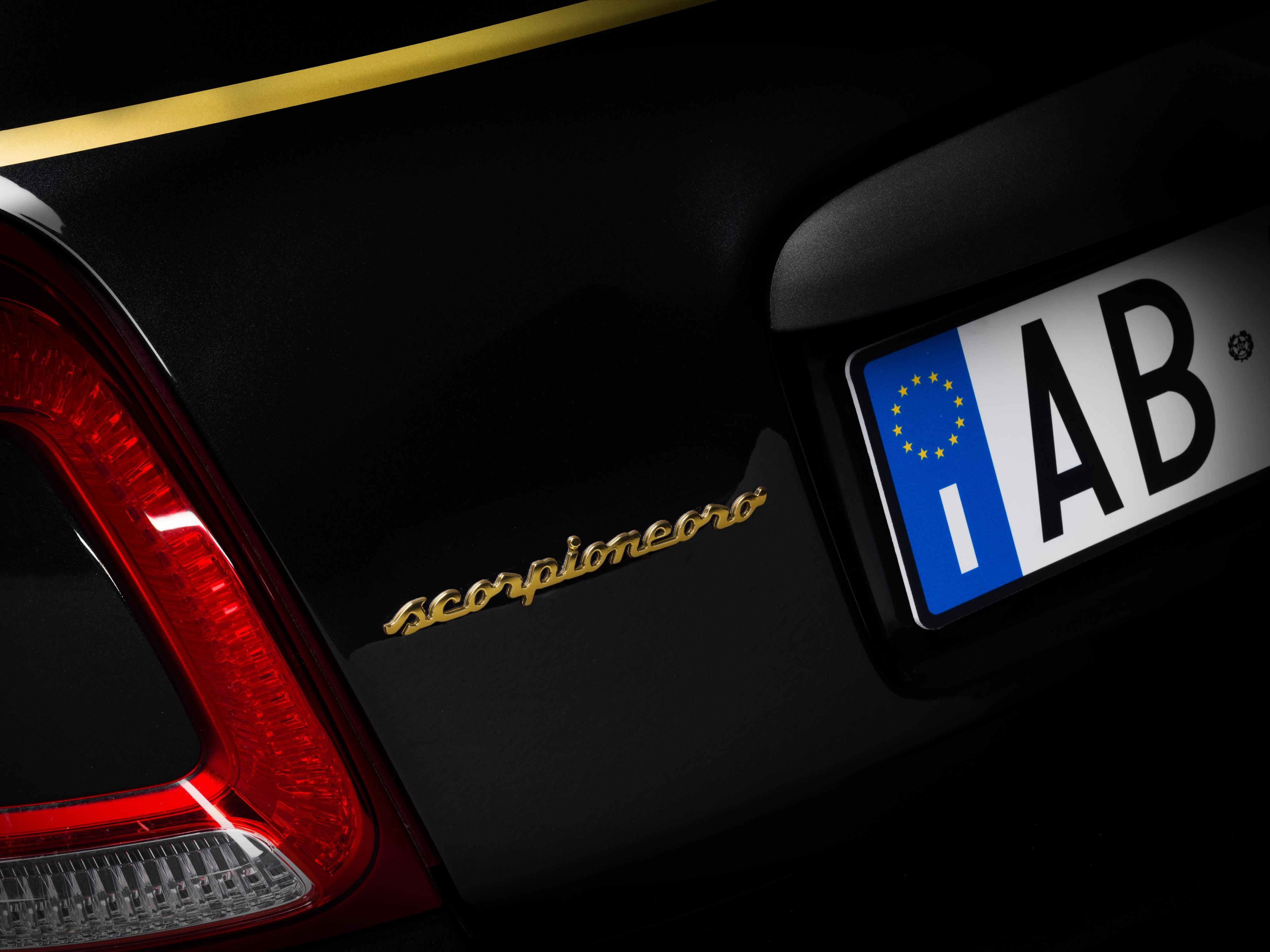 2015 - [Fiat] 500 Restylée - Page 24 S0-nouvelles-editions-speciale-scorpionero-et-yamaha-de-l-abarth-595-641176