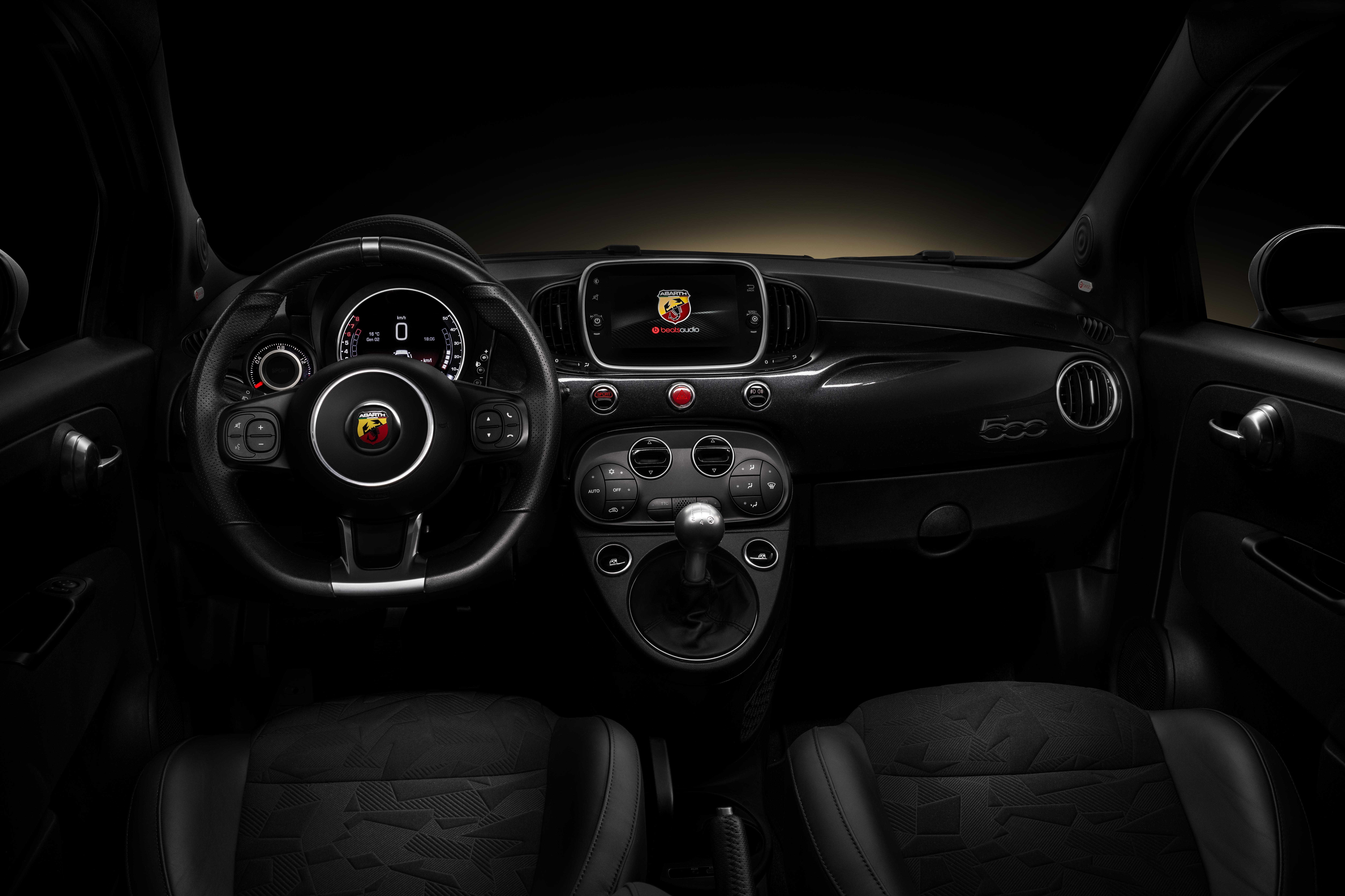 2015 - [Fiat] 500 Restylée - Page 24 S0-nouvelles-editions-speciale-scorpionero-et-yamaha-de-l-abarth-595-641177