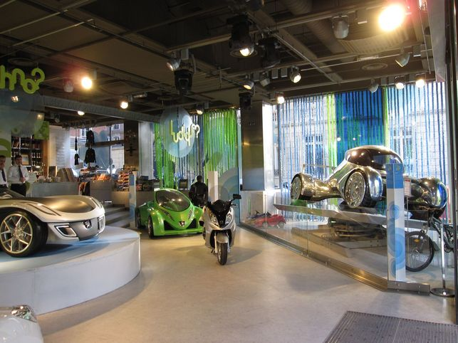 Reportage : concept-cars et prototypes futuristes écolos au Peugeot Avenue Paris