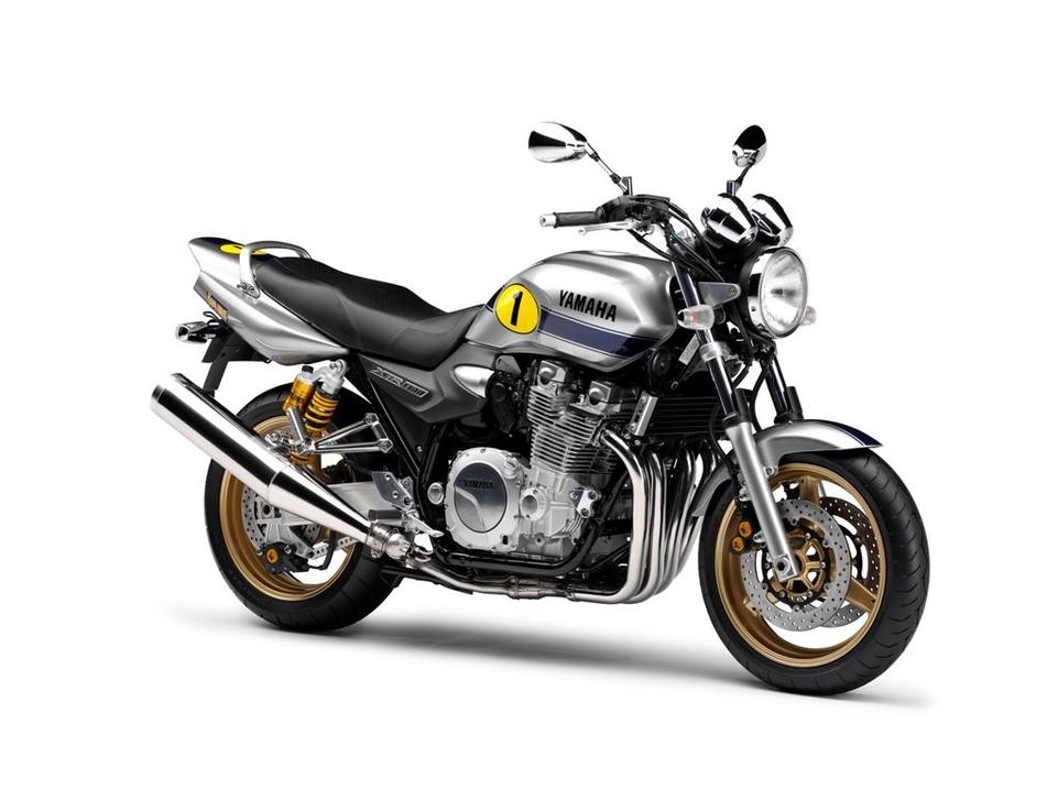 Les grosses cylindrées Yamaha re-colorisées en 2009