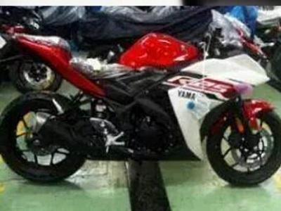 Nouveauté – Yamaha: la R25 est décidément partout de sortie!