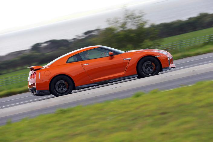 La Nissan GT-R est troisième du classement.