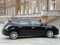Essai vidéo -  Lancia Delta : une compacte presque familiale