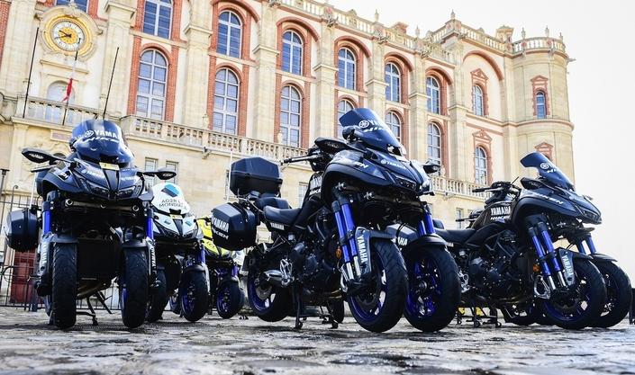 Le Yamaha Niken sera présent sur les plus célèbres courses cyclistes au monde