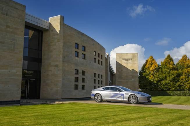 Aston Martin RapidE : la première électrique