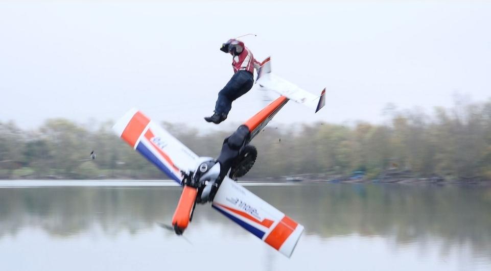 Reportage : Laurent Cochet se jette à l'eau !