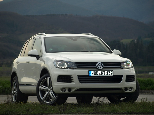 volkswagen touareg 2 4x4 prix comparer sur. Black Bedroom Furniture Sets. Home Design Ideas