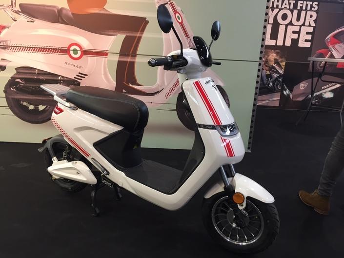 Econeco : lancement des scooters électriques S1 et Revival