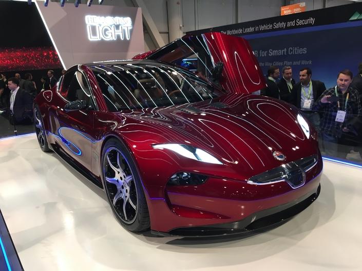 Fisker EMotion : la Tesla Model S en ligne de mire - Vidéo en direct du CES Las Vegas 2018