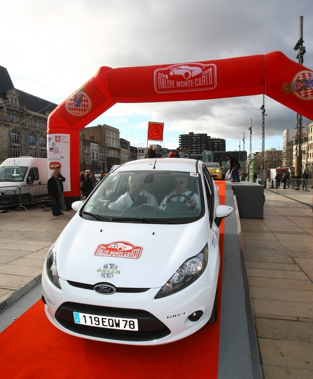 3e Rallye Monte-Carlo des Véhicules à Energie Alternative : les Ford Fiesta ECOnetic en tête du classement