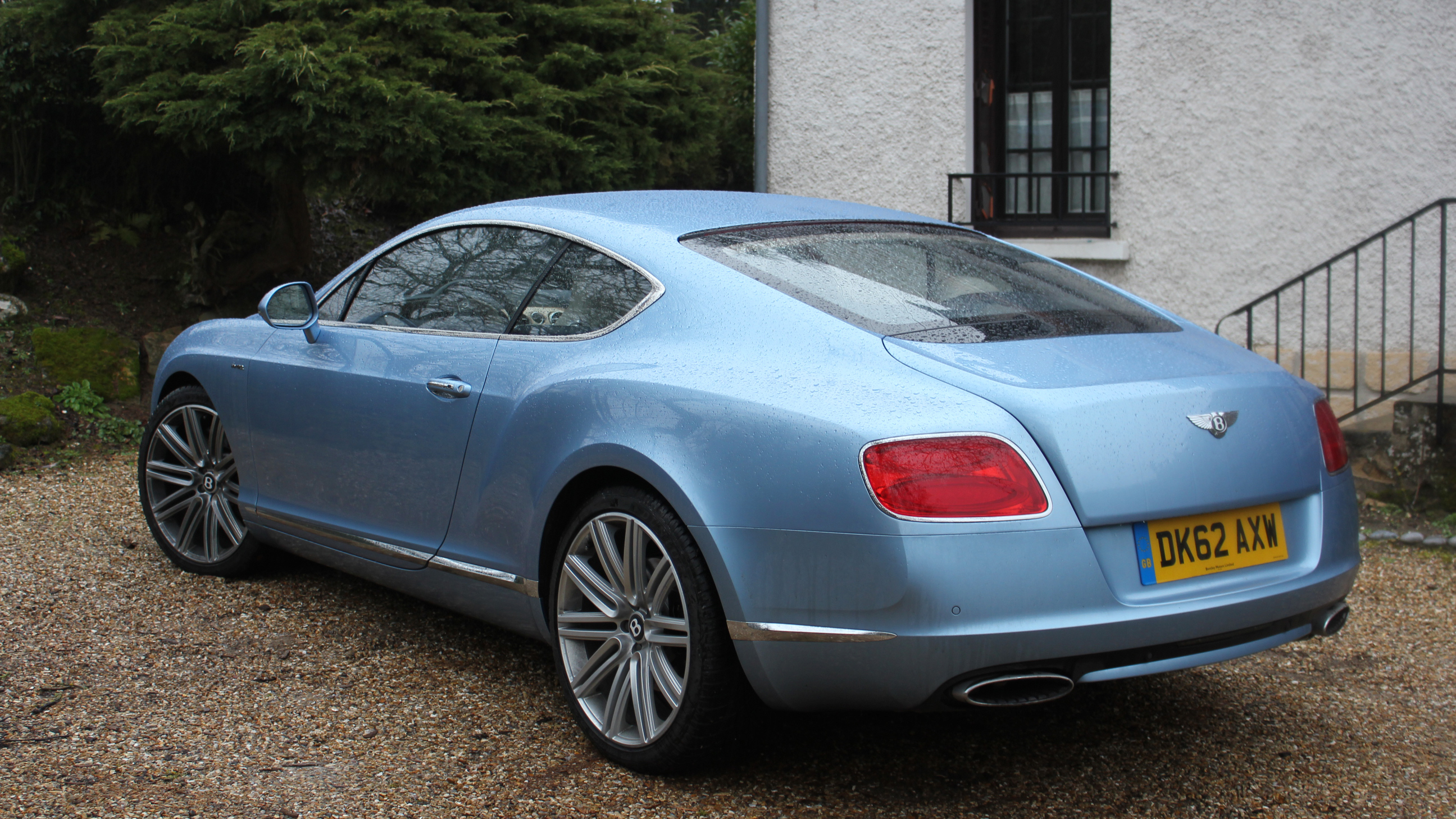 http://images.caradisiac.com/images/5/2/6/3/85263/S0-Essai-video-Bentley-Continental-GT-Speed-so-scandalous-288633.jpg