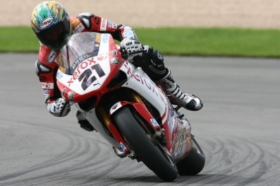 Superbike - Vallelunga Q.2: Bayliss brille sous le soleil